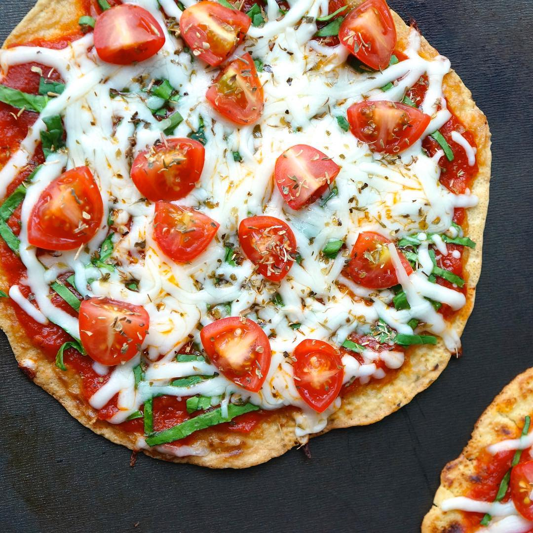 SUPER GRIDDLE PIZZA! Easy 4ingredient glutenfree crust Whole pizza takeshellip