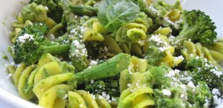 Pasta with Green Pea Pesto