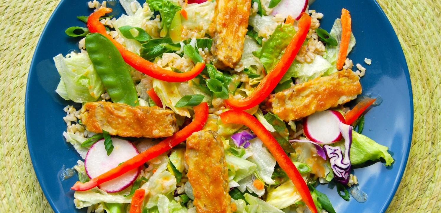 Peanut Tempeh Thai Salad